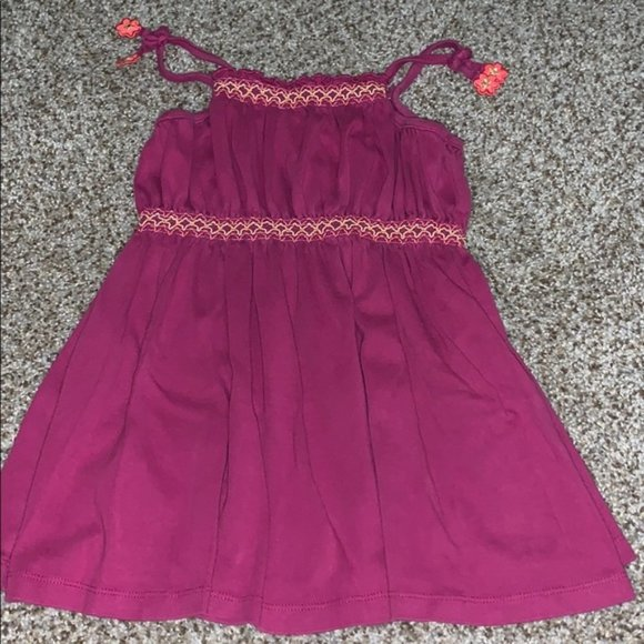 3/$15 🍒 Gymboree dress with flower accents